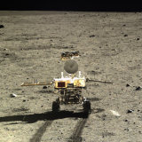 Rover Yutu di Bulan