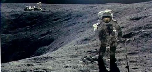first-man-on-moon-walking-on-the-moon