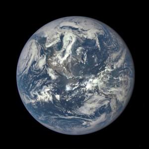 foto-bumi-oleh-satelit-dscovr