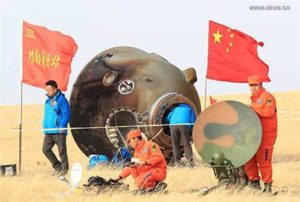 kapsul-shenzhou-11-mendarat-di-bumi